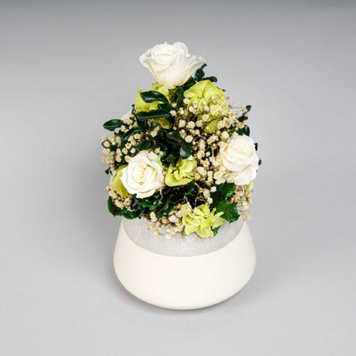 composition en végétal stabilisé roses blanches Dvs green gallery